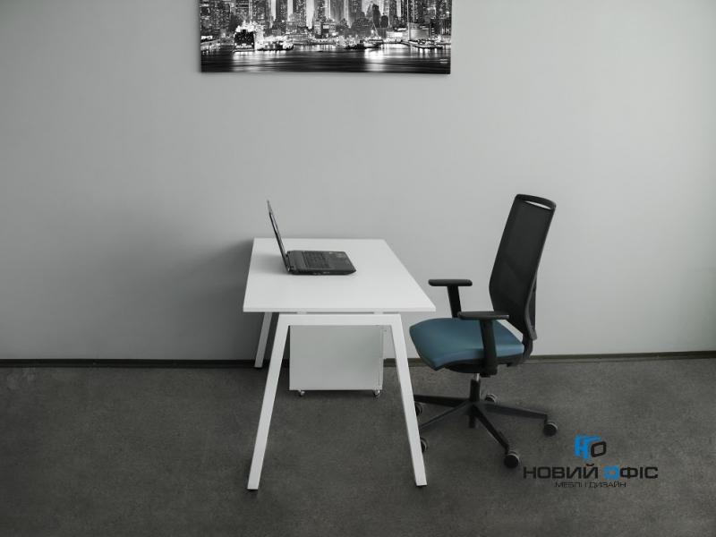 Стильний офісний стіл в білому кольорі 140х75х70rd-1470 | Фото - 1